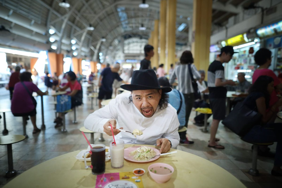 Local fare is a must when in Singapore.  #SGStrongStyle @ShinsukeN<br>http://pic.twitter.com/YCrGHaOXOf &ndash; à Kim Keat Palm Market &amp; Food Centre