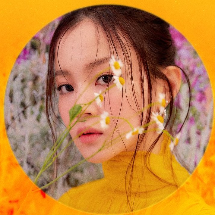 Can we sit back and take a second to admire this beauty and enjoy this special moment when Lee Hi&#39;s new music is coming in less than a week? Put all negativity aside and have fun with it. It takes 3 freakin years to happen so let&#39;s treasure it and support it. Please. &lt;3 <br>http://pic.twitter.com/iTozZcCLeB