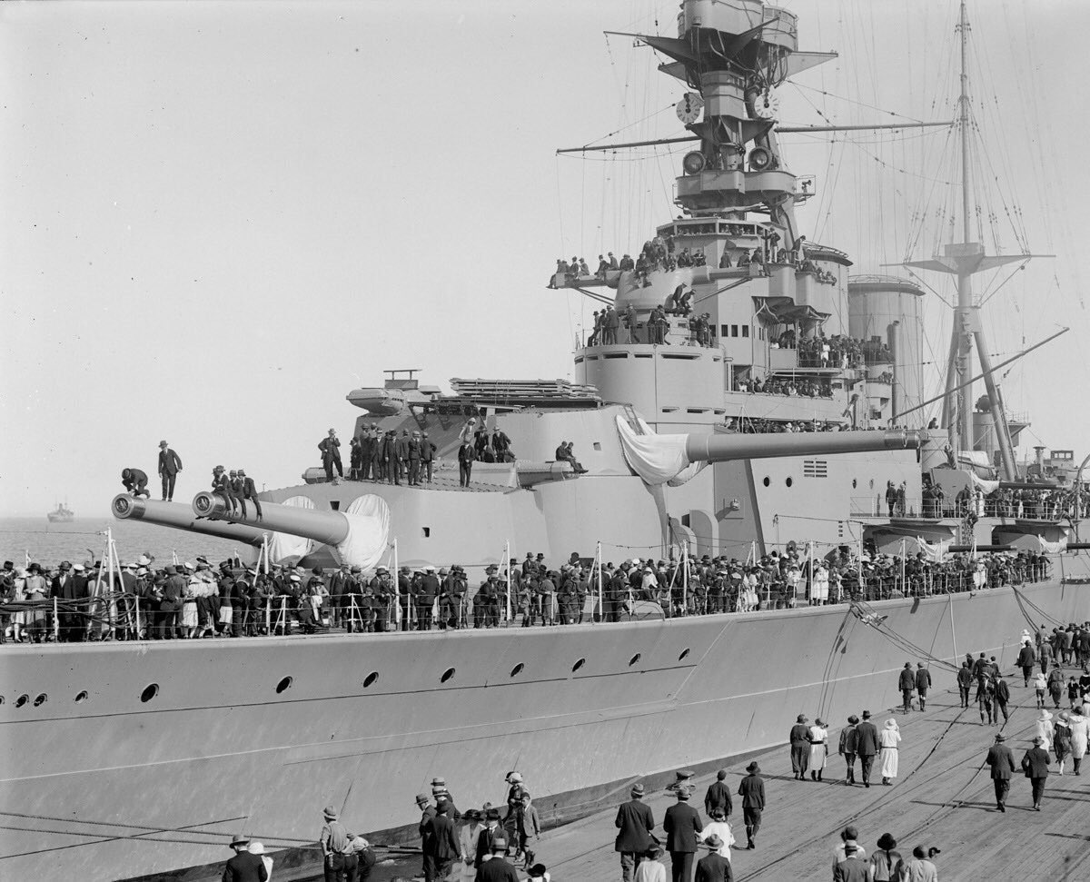 #OnThisDay 1941 HMS HOOD is lost during Battle of Denmark Strait. HOOD, in company with @HMSPWLS was engaged with Bismarck and Prince Eugen was hit by shells and sunk in only 3 minutes with the loss of 1,415 men. There were only 3 survivors. #lestweforget @RoyalNavy @HMS_HoodUK
