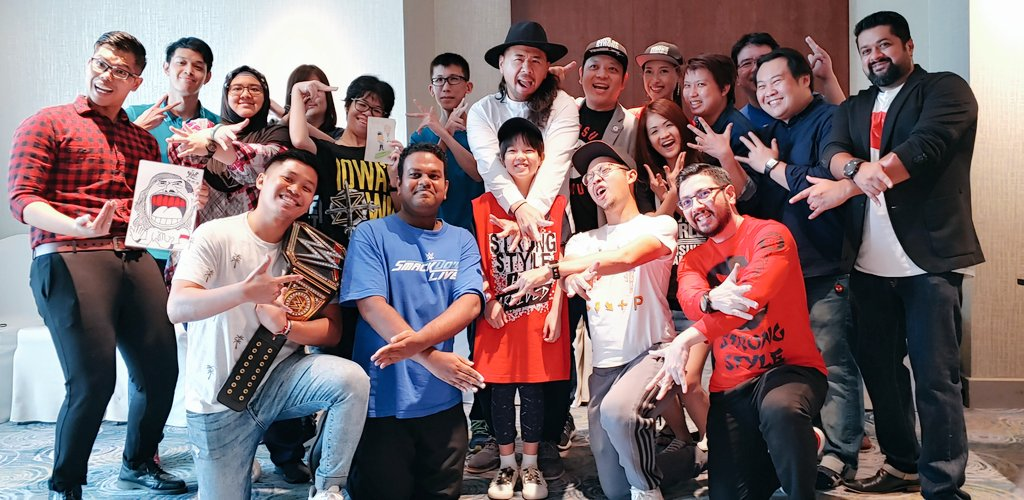 To @ShinsukeN with   - From the @WWEUniverse in Singapore #SGStrongStyle<br>http://pic.twitter.com/D80K8xVYkh