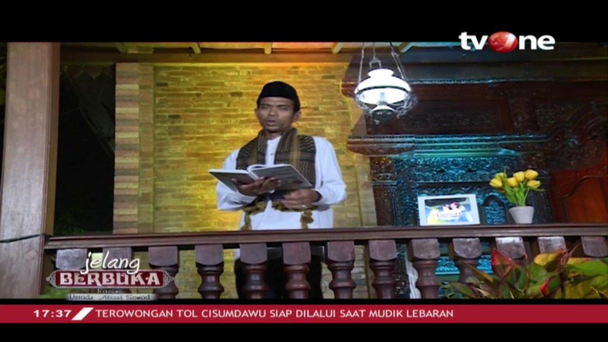 """Simak pembahasan """"Pesan Untuk Semua Pendusta"""" dalam Jelang Berbuka bersama Ustadz Abdul Somad streaming di tvOne connect, android http://bit.ly/2EMxVdm & ios https://apple.co/2CPK6U3. #RamadhanditvOne"""