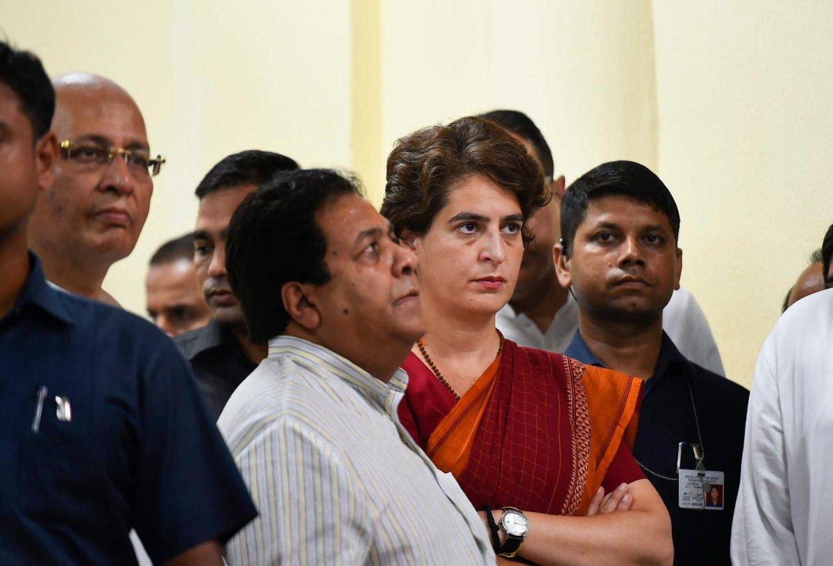 प्रियंका वाड्रा का नहीं चला जादू, 38 रैलियां कीं और 2 सीटों पर जीती कांग्रेस : http://bit.ly/2HyeOmy#ModiPhirSe  @priyankagandhi