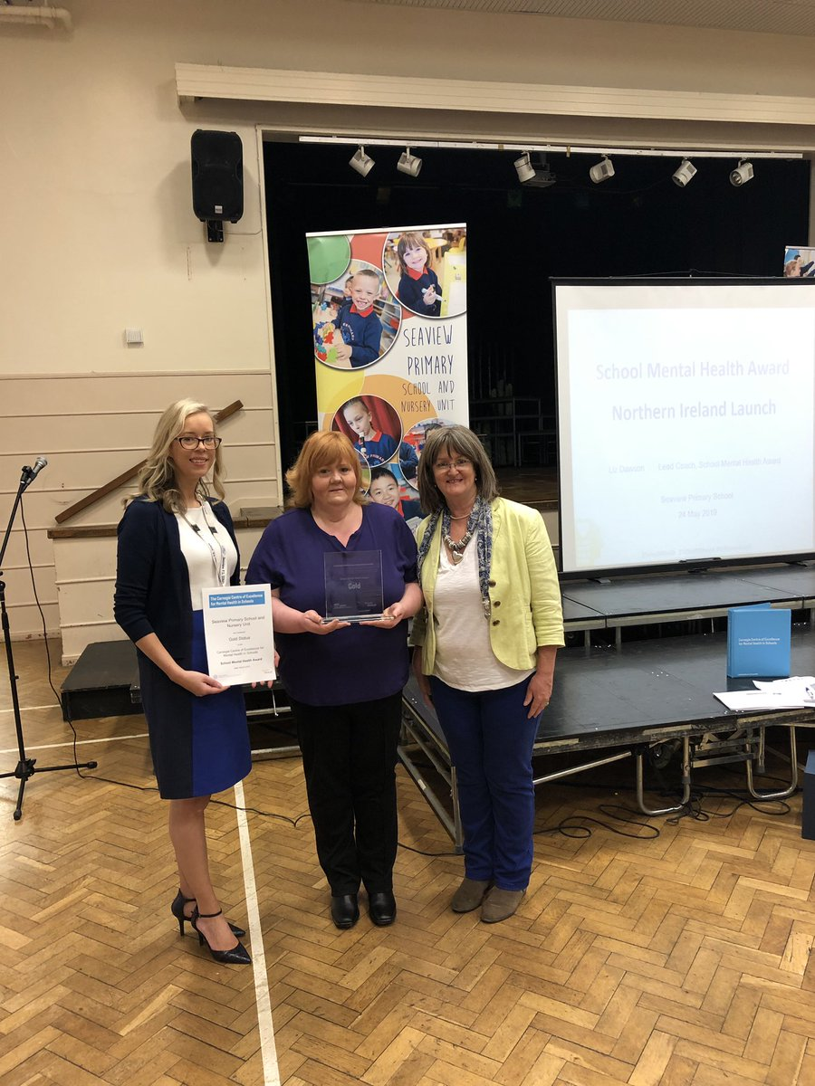 Great to welcome my coach @LizDawsonCoach as part of the @SchoolMHealth to award the Gold Award for our work in #mentalhealth. @seaviewps is the first school in #nischools to receive the accolade.