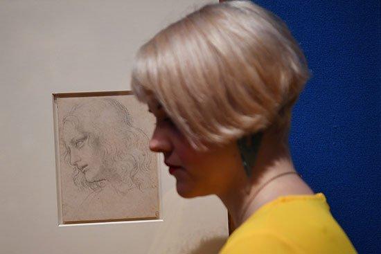 بعد 500 عام على وفاته .. عرض رسومات ليوناردو دافنشى فى قصر بكنجهامhttp://www.youm7.com/4255170