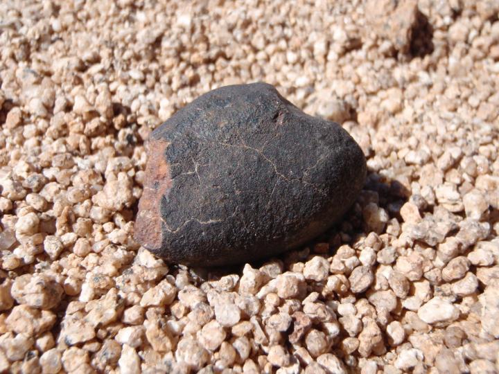 Hallan en el desierto de Atacama la colección de meteoritos más antigua del planeta. http://ow.ly/U0nE50uosJM Vía  @geosociety