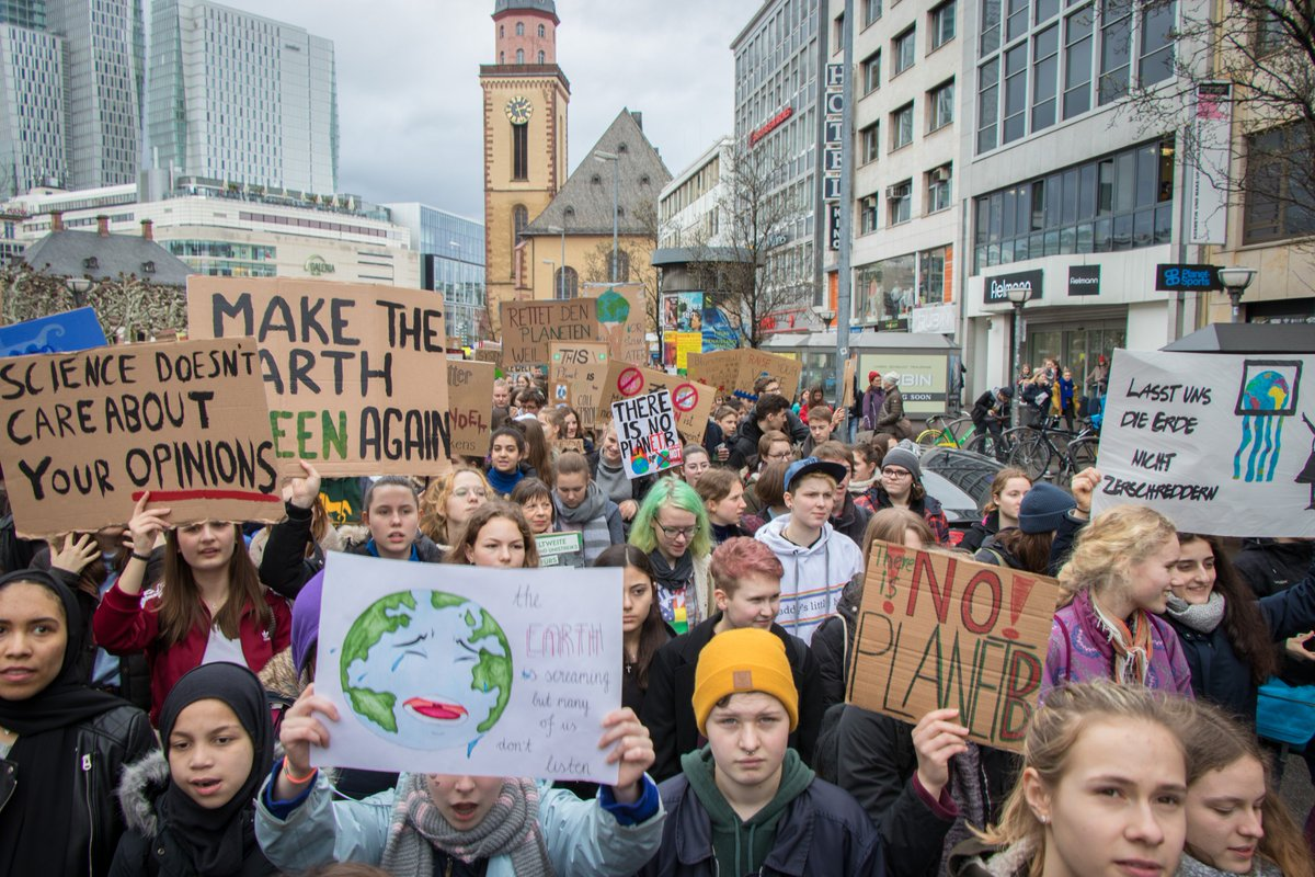 """Our house is on fire"" and adults can do something to change this :  March with the youth in today's #ClimateStrike  #VoteforClimate in the #EPelections2019   Make sure that current and next EU leaders hear our call and #Stand4Climate   http:// climateactioncall.caneurope.org     <br>http://pic.twitter.com/jiwJlxPblQ"