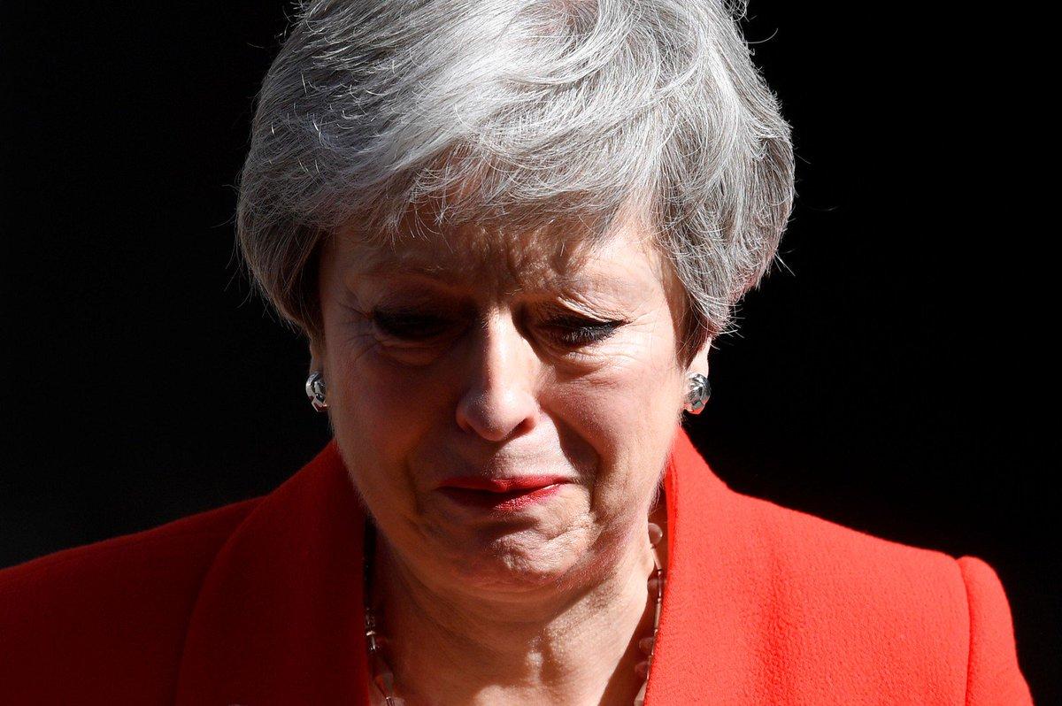 Theresa May anuncia sua renúncia ao cargo http://glo.bo/2EuSJTY #G1