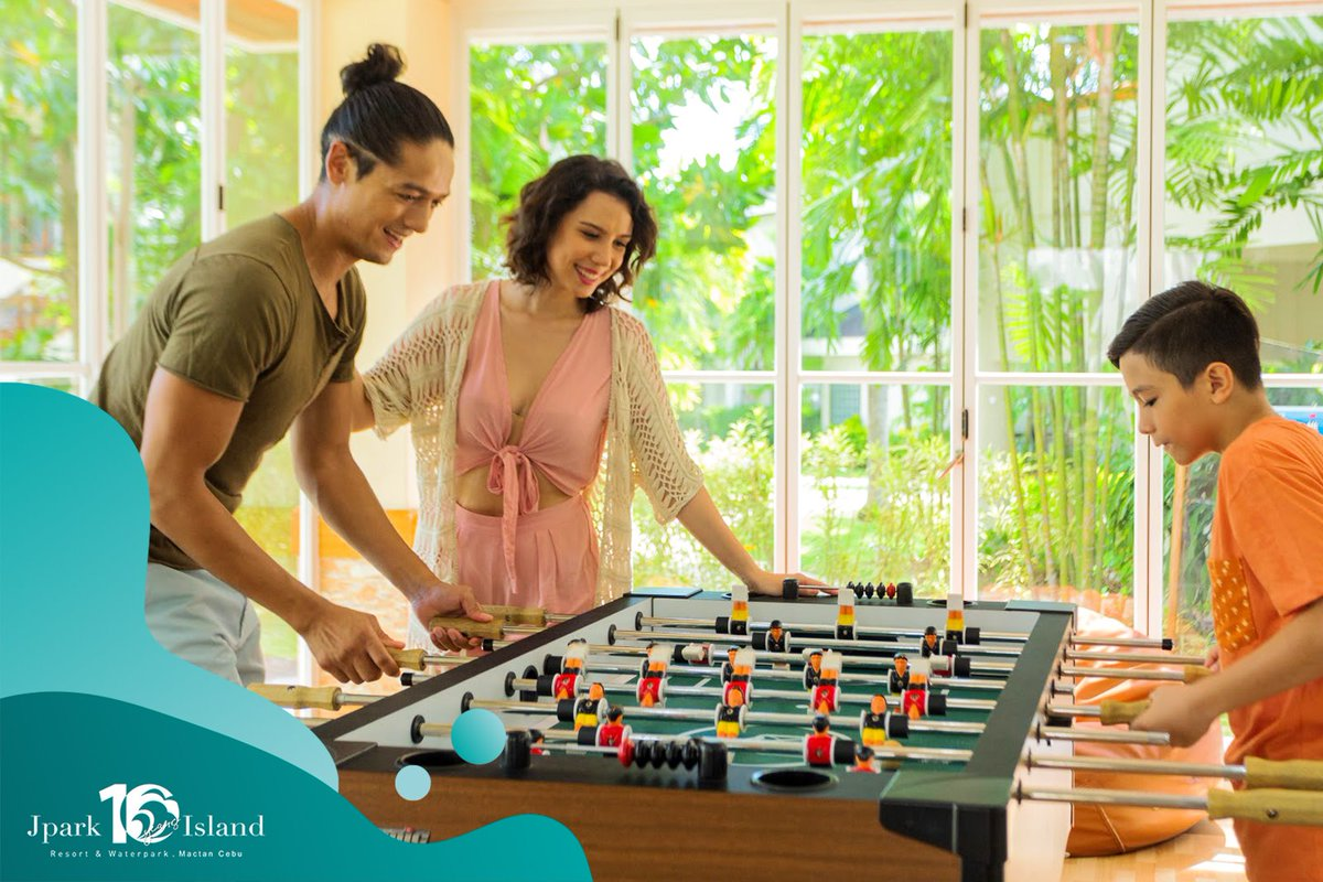There are loads of activities that you and the whole family can enjoy here! What would you wanna try?  Book today at https://t.co/HjA4UQSTAq!   #MyJparkStory #WaterYouWaitingFor  #TenYearsOfJpark https://t.co/uECCwD9pUe