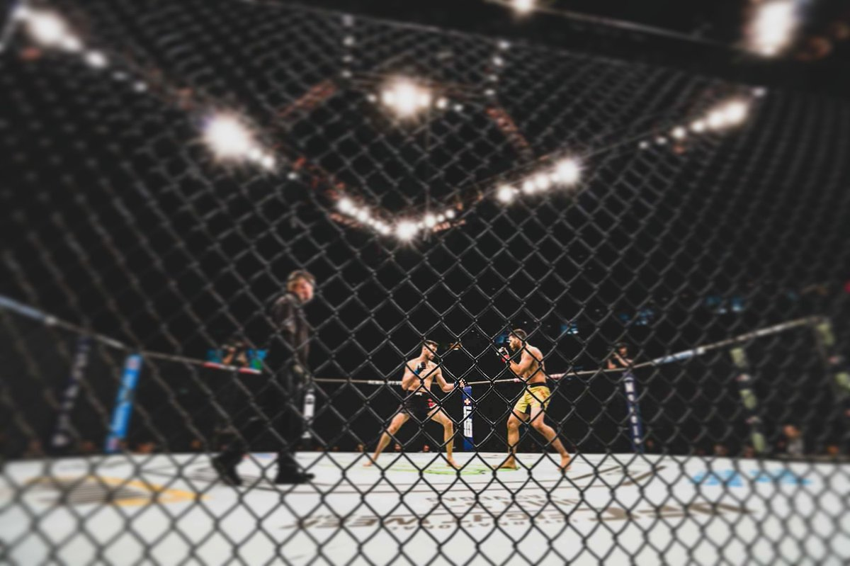 📸 #photography by @VinnyLo #UFCRochester #UFCFightNight152  @ufc @UFC_CA @UFCFightPass @UFCNews @arielhelwani @danawhite @MMAjunkie @MMAWeeklycom @MMAFighting @TheNotoriousMMA @dc_mma @RdosAnjosMMA @UltimateFighter