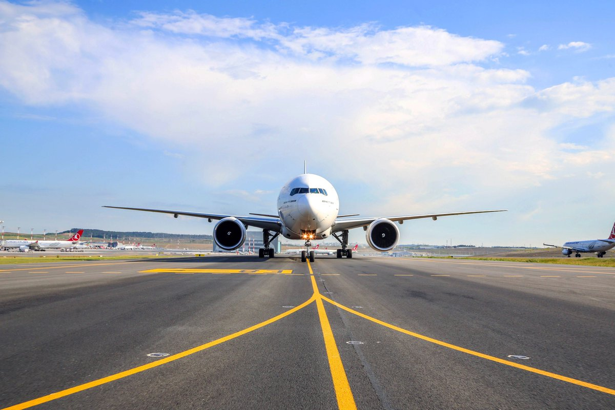 Dünyanın yeni havacılık merkezi #İstanbulHavalimanı'ndan; 3 saat içerisinde ulaşılabilecek, 3 ayrı kıta ve 140'tan fazla varış noktası bulunuyor. ✈