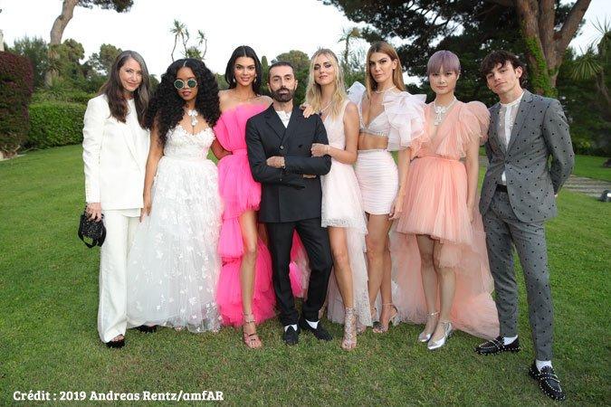 L'italien Giambattista Valli prochain créateur invité chez H&M https://www.fashions-addict.com/L-italien-Giambattista-Valli-prochain-createur-invite-chez-H-M_408___18567.html… #mode #fashion #style #look #annonce #fastfashion #createur #amfar #model #kendalljenner @hmfrance @GiambattistaPR