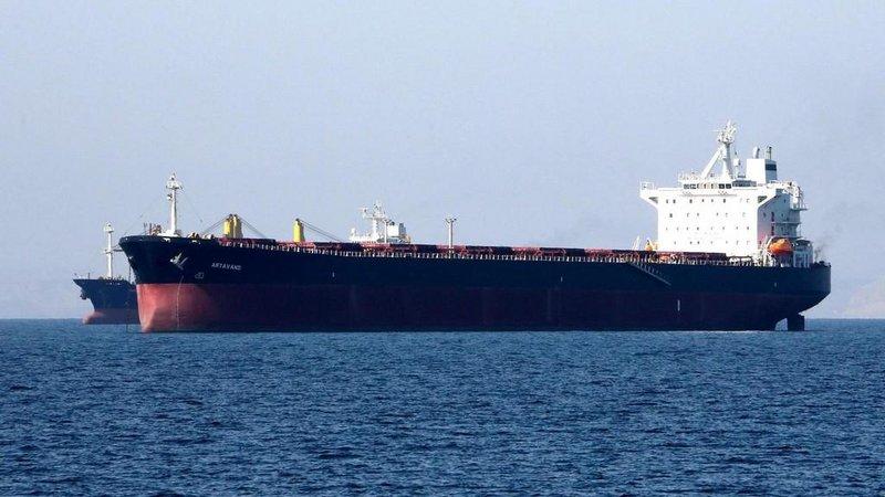 وكالة: نفط #إيران يعوم في البحر والبر .. ولا يوجد مشترون له.http://sabq.org/vXY6c7