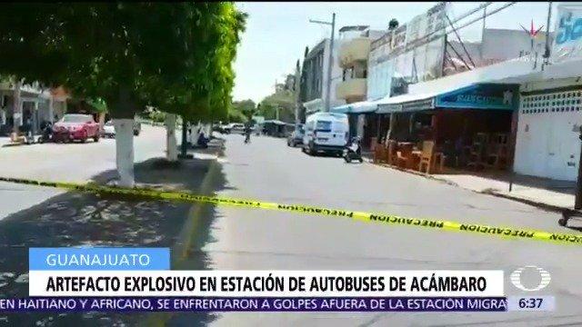 En Acámbaro, Guanajuato, soldados especializados retiran un artefacto explosivo en la estación de autobuses luego de una llamada anónima que alertó sobre el dispositivo en el área de paquetería #DespiertaConLoret con @anafvega