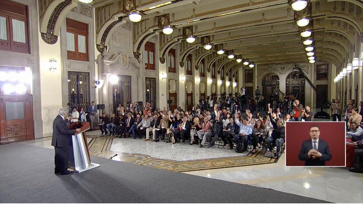 López Obrador afirma que con la aprobación de las leyes secundarias, ya iniciaron los cursos de homologación y formación a elementos de seguridad, y la operación formal de la Guardia Nacional en todo el país será el próximo 30 de junio.  EN VIVO: http://bit.ly/2VGiDKW