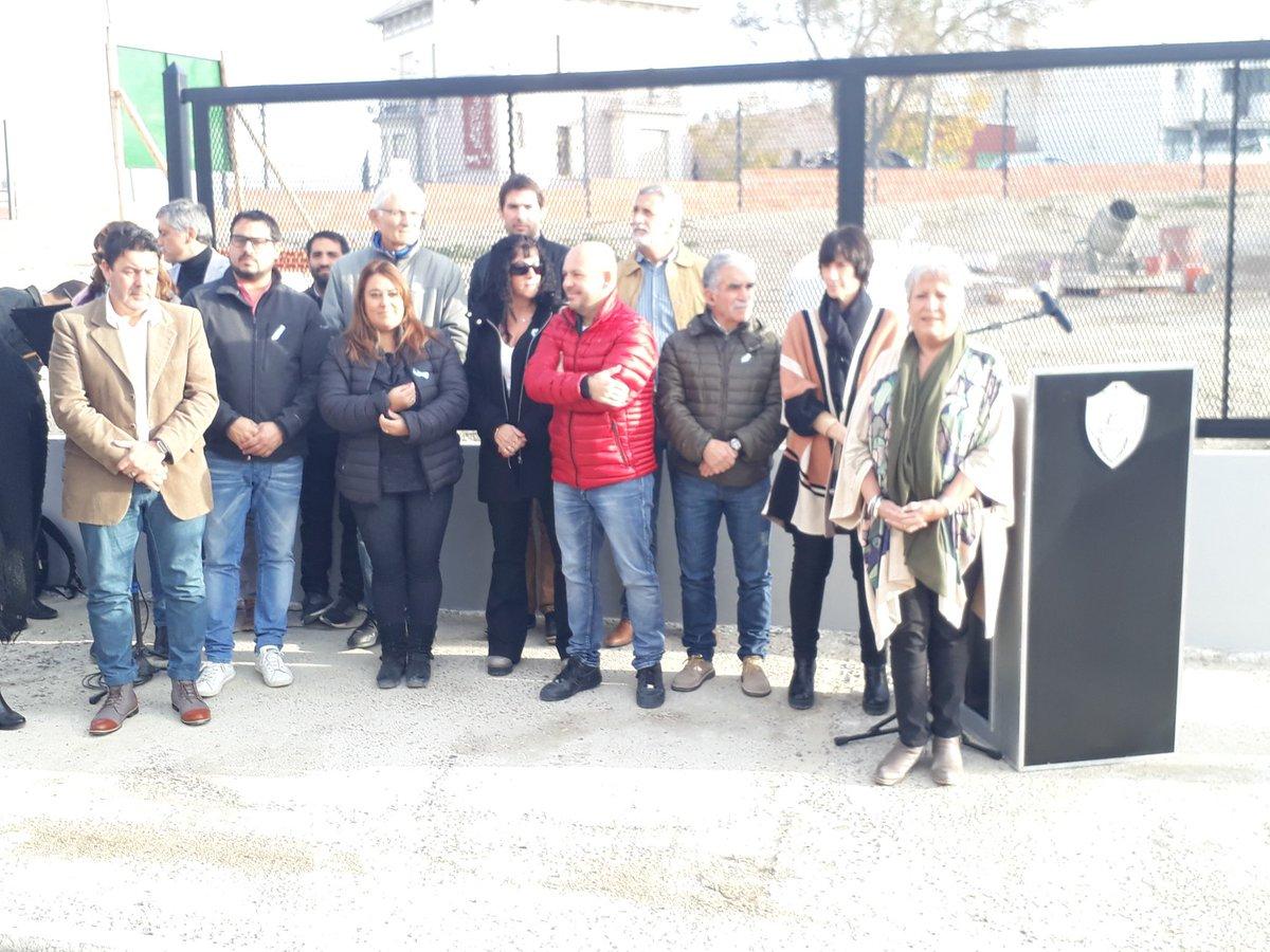 Descubrimiento de placa en el cerramiento donde se  construirá el nuevo edificio del Concejo Deliberante  @xeniagabella