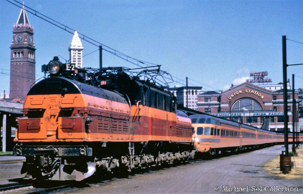D7VfcxuXsAAgZqN - Electric Railroad through the Rockies