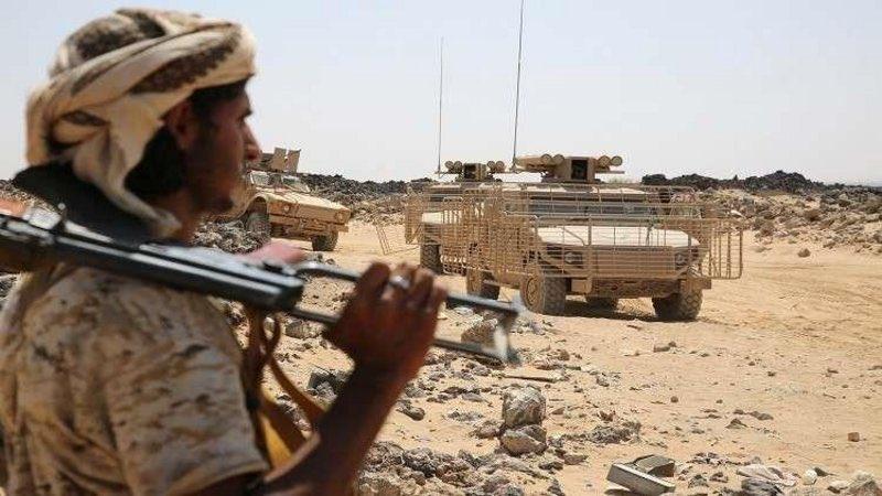 """الجيش اليمني يُسقط طائرة حوثية مسيّرة في """"باجة #الضالع"""". http://sabq.org/nFBDqx"""