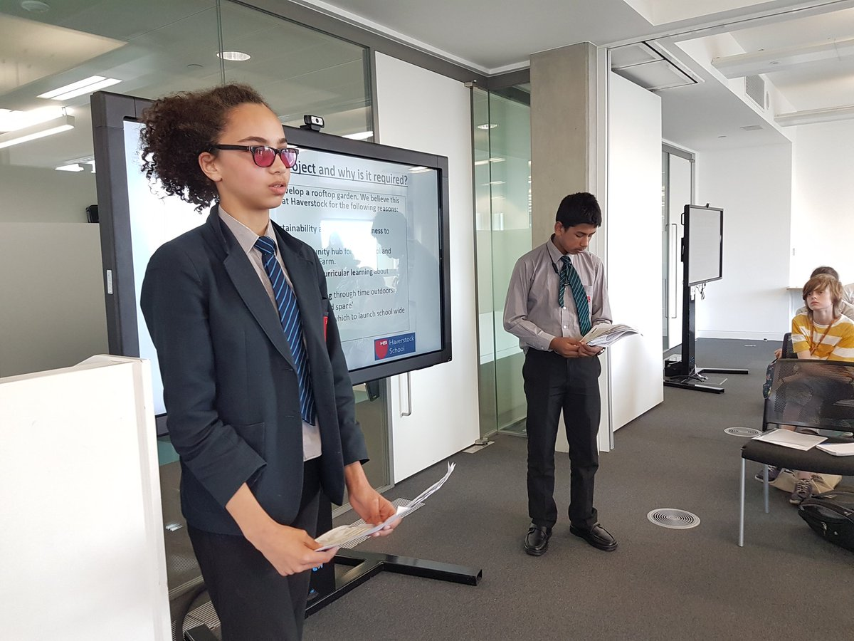 @CamdenSustainers member, Haverstock school, selling the benefits of their rooftop garden project to Camden's sustainability dragon's den panel @TroupBywaters @AlaraCereals @FHhospitality @UCL_Academy @PowerUpNLdn https://t.co/S6KCiuyQzN