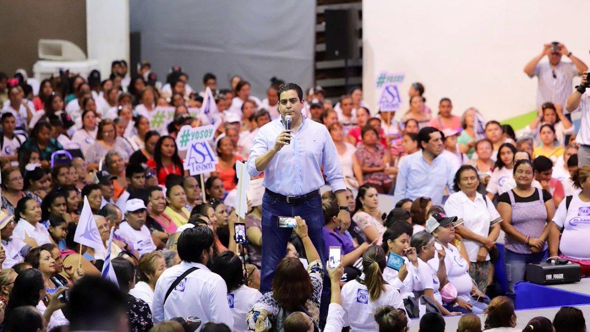 Un gusto acompañar en #CdVictoria a @ArturoSotoA junto con @MarkoCortes Presidente de nuestro partido @AccionNacional, además de panistas cómo @SantiagoCreelM y @mariangc apoyando #ElCambioHaciaAdelante en #Tamaulipas   #TamaulipasEnAcción #Mx