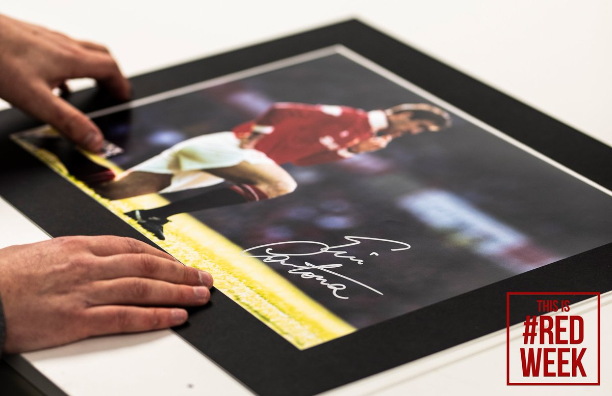 🎁 Oh, and, as part of #RedWeek🔴 all Eric Cantona signed memorabilia on Icons.com is 15% OFF until Monday! Did we mention that? 🤔