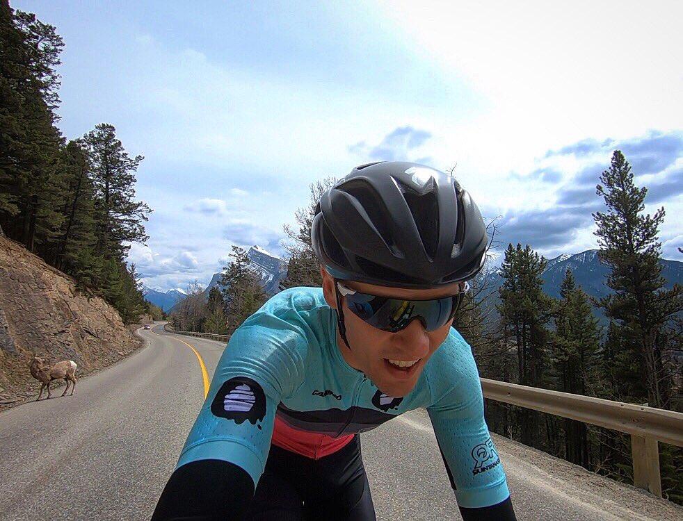 de619d3a1f5 #triathlon #roadtokona #triathlete #cycling  #thecupcakecartelpic.twitter.com/8RDxFyYeeN