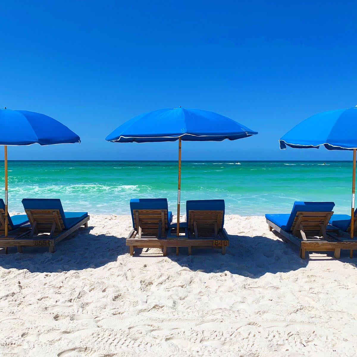 Kicking off #MemorialDayWeekend at the #RealFunBeach. We'll save you a seat! #LoveFL<br>http://pic.twitter.com/r0zBsgZQMx