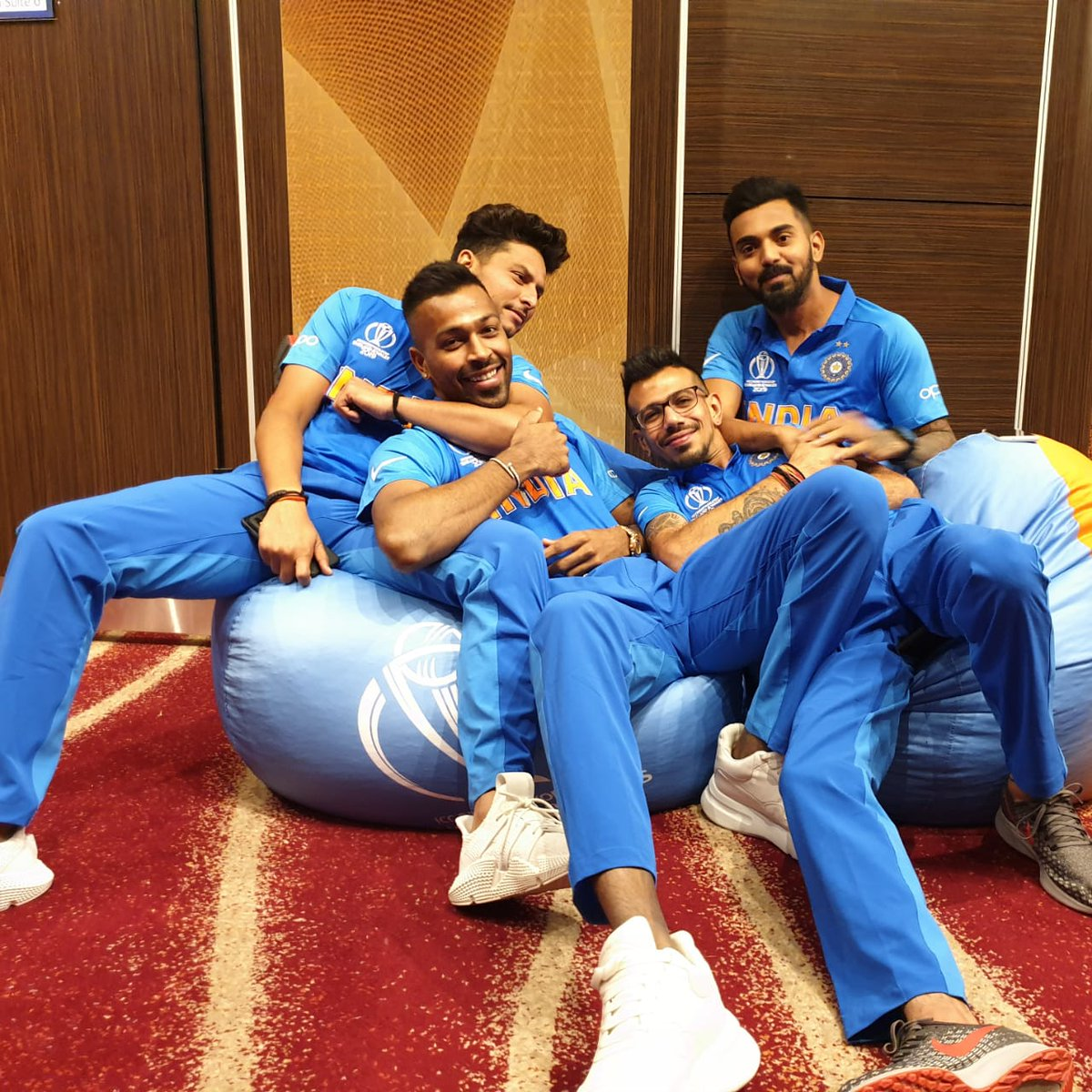 Goofing around with these jokers 😂🤙🏻@imkuldeep18 @hardikpandya7 @yuzi_chahal