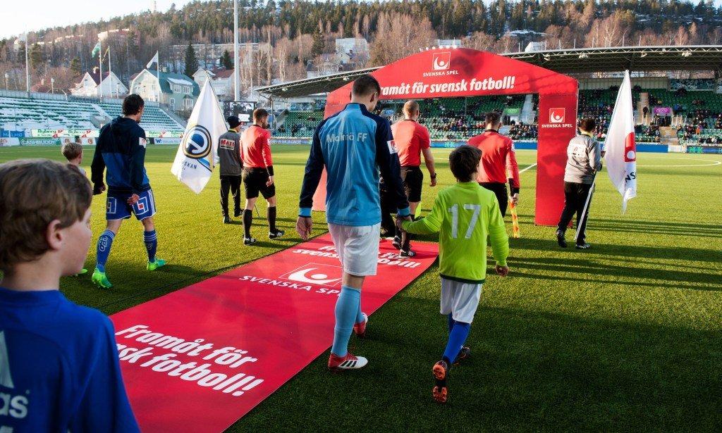 On Twitter All Allsvenskan And Superettan Kits Ranked 1 32 Karlkonradaxel2 Ranks The Kits In Allsvenskan And Superettan Https T Co Ly2qlphapa Https T Co 4luq0fjmel