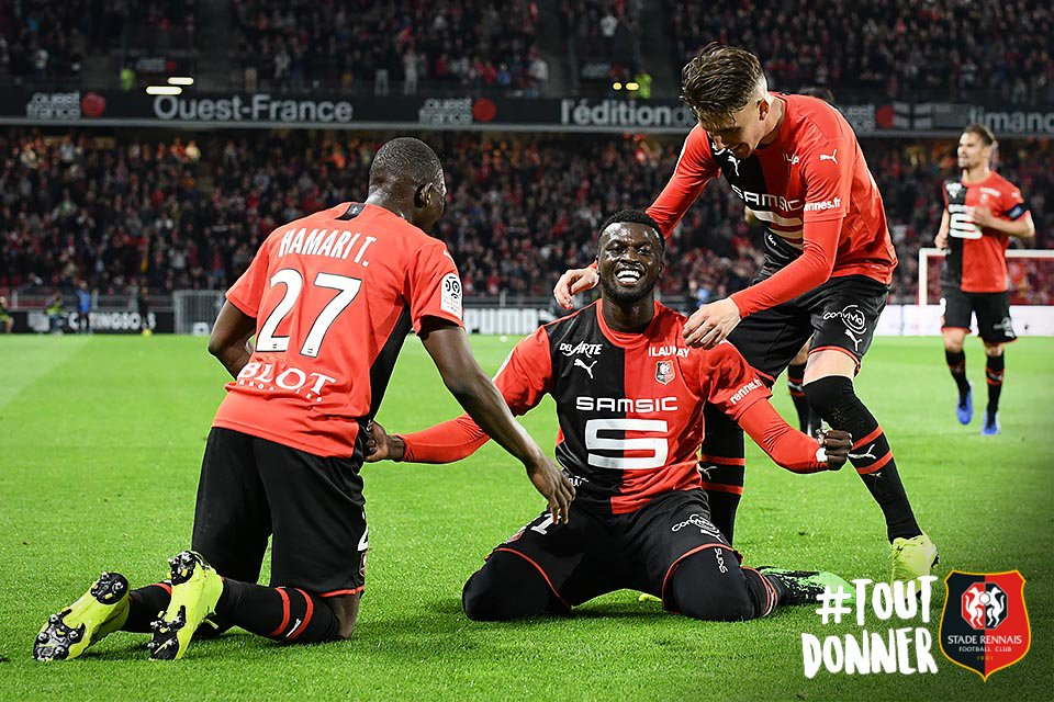 [@Ligue1Conforama]    @MBaye9Niang on fire (3-1)  --- #SRFCLOSC - #AllezRennes - #ToutDonner <br>http://pic.twitter.com/7BzzOhDeT0