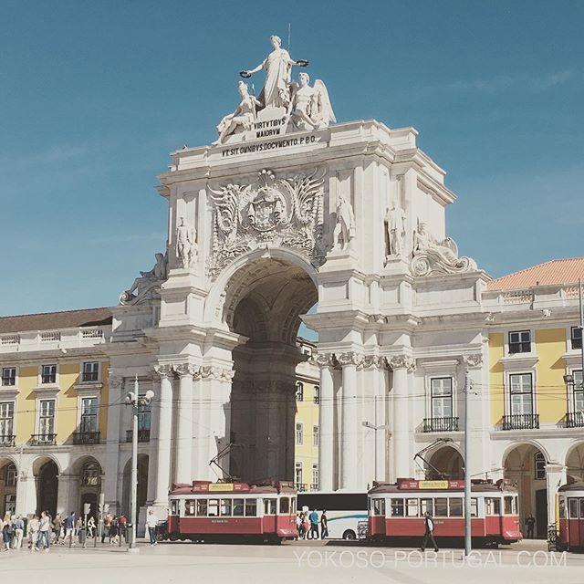 test ツイッターメディア - リスボンの凱旋門と路面電車。 #リスボン #ポルトガル https://t.co/c7DG9a4Bir