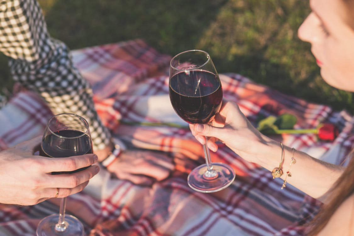 Good morning, Portage fam!  Today is #Nationalwineday 🍷🥂  How and where are you celebrating? <a href='https://t.co/sPhGTiDSV0' class='extra' target='blank'><i class='material-icons mdl-color-text--grey-400'>image</i></a>