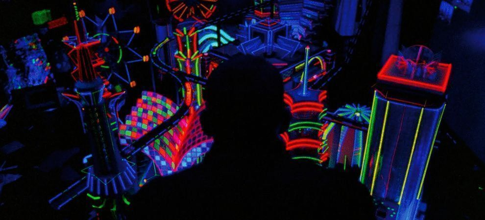 ENTER THE VOID (2009)   Cinematography by Benoît Debie  Directed by Gaspar Noé Exploring death and beyond in cinema: https://buff.ly/2UYlEpF