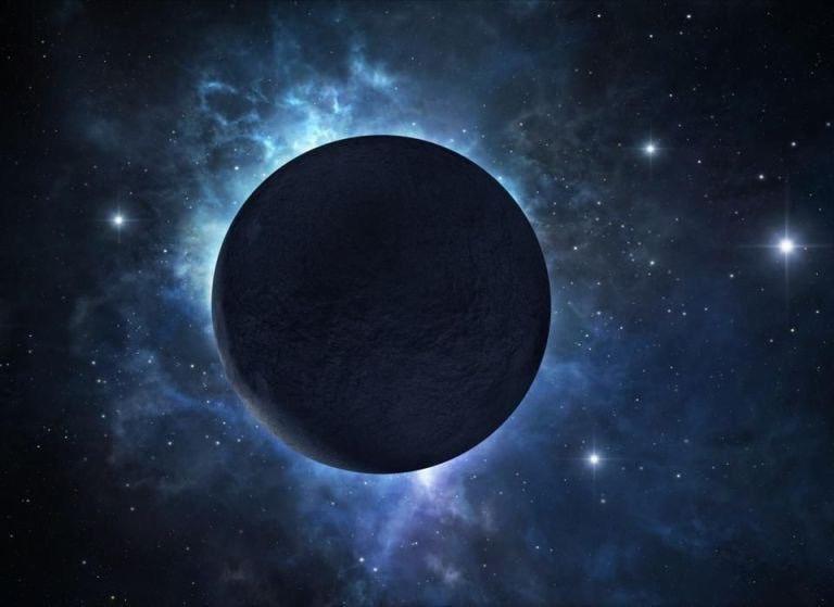 【暗黒】光を99%吸収する真っ暗な惑星がある 地球から約750光年離れた場所に存在する「TrES-2」という星は恒星の近くに位置するにも関わらず、光を全く反射しない。原因は分かっておらず、この星には何があるのか、興味の尽きぬところである。