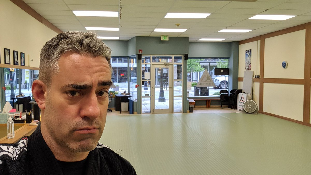 With @bryanalvarez gallavanting around Las Vegas this weekend, it's time for a very special episode of #BJJ with guest teacher, Producer Rob. And, as you can clearly see, the masses are quite excited at the prospect of this... #LonelyMan