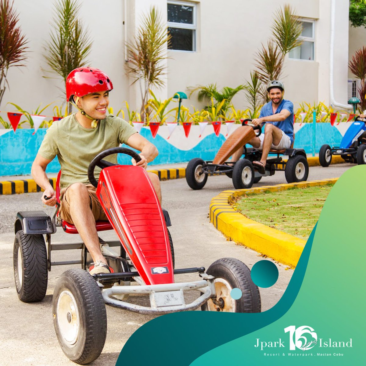 Everyone in the family will surely have a good time with all the activities we have in store for you.  Try them all! Visit https://t.co/HjA4UQSTAq to know more.   #MyJparkStory #WaterYouWaitingFor  #TenYearsOfJpark https://t.co/NnMCtA8Crs