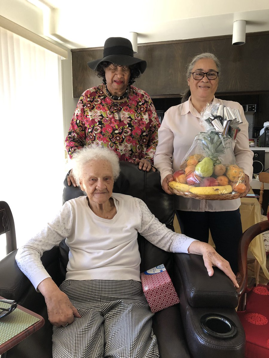 A fruit basket from @Schwarzenegger & a promise to help his 102 year old friend Thelma Smith. She's being evicted from home of nearly 30 years in unincorporated #LaderaHeights so landlord's daughter can move in. @ABC7 11pm #abc7eyewitness