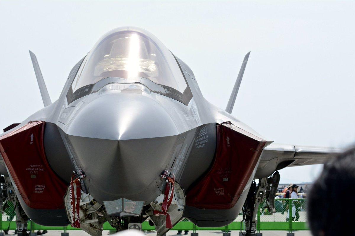 F-35 Lightning II  #ファインダー越しの私の世界 #写真の奏でる私の世界<br>http://pic.twitter.com/0Ma3GXtuob
