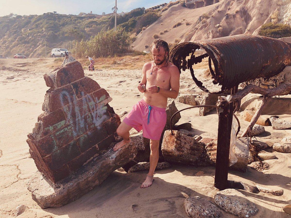 RT @TomFelton: Beach bum https://t.co/eVHkyipSby