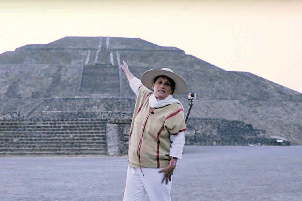 #EnPortada En la cima de la Pirámide del Sol, la senadora Jesusa Rodríguez hace propaganda política  http://eluni.mx/-41icl-
