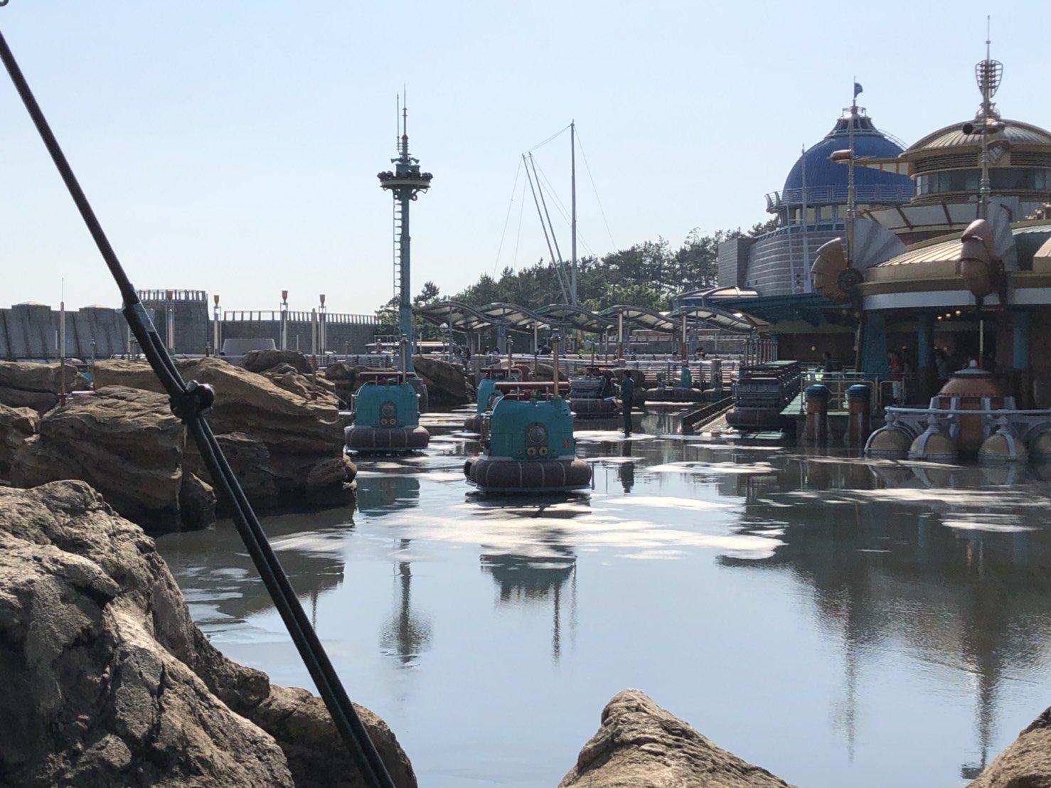 画像,ディズニーに行ってる母から地震の報告かと思いきや、アクアトピアの水が全部抜かれている報告がきた∑(O_O;) https://t.co/4y6f2vIlWc…
