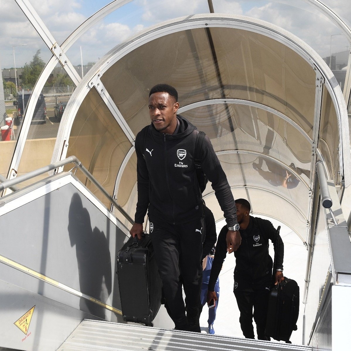 @DannyWelbeck  How good is it to see Dat Guy back in the travelling squad?    #UELfinal<br>http://pic.twitter.com/DwWpEGONL5