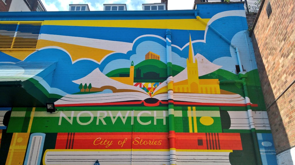 Excited to be in Norwich for @nnfest to talk #lowcountry with @_jamesmeek<br>http://pic.twitter.com/NwdJ3XI9Fe