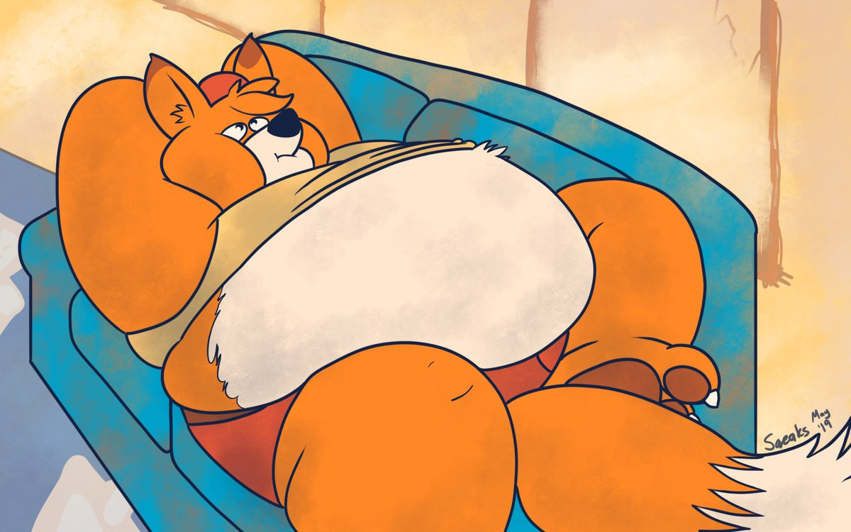 @TexanSoda is one year wider today! Go give him cake. Don&#39;t expect him to share.<br>http://pic.twitter.com/knZKAhrAPK