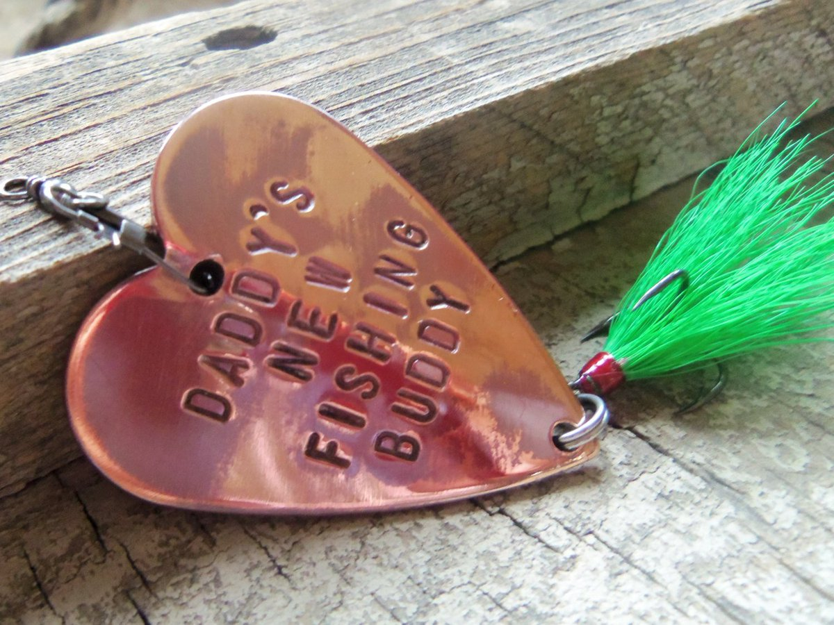 Daddy Gift for Dad Fishing Lure for New Dad to Be Daddy's Fishing Buddy Dad and Son Gift to Husband Gifts under 40 Stocking Stuffer Parents http://tuppu.net/f4599f3f #CandTCustomLures #Shopify #Stocking_stuffer