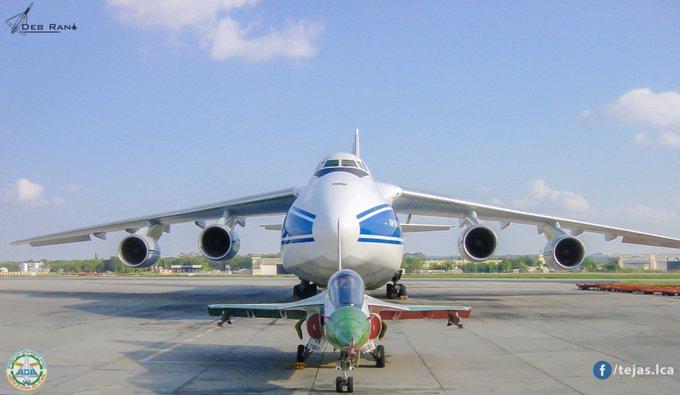 """الطائرة التي تنقل صواريخ """"إس 400"""" إلى تركيا D7ZzHR7U0AILb9u?format=jpg&name=small"""