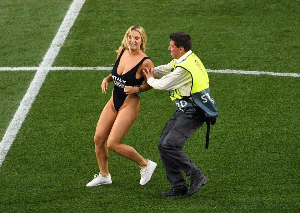 секс на футбол поле - 3