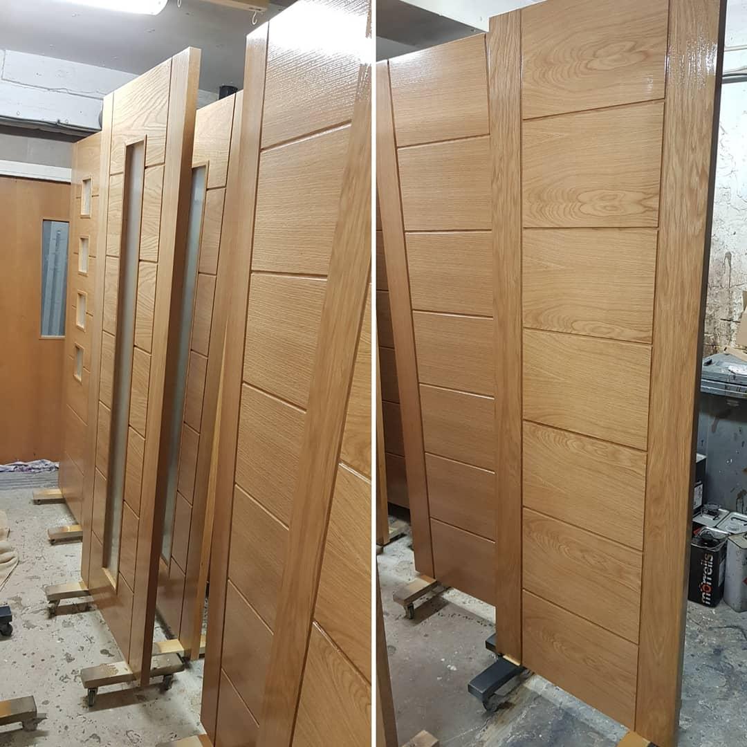 New internal oak doors spray finished with a clear satin lacquer. #sprayfinish #oak #oakdoors #internaldoors #new #sprayed #lacquer #satinfinish #newdoors #woodwork #spraypaint #sheffield #findusonfacebook #Sheffieldissuper #ATsocialMedia #thefurnituredoctor #furniturerestoration