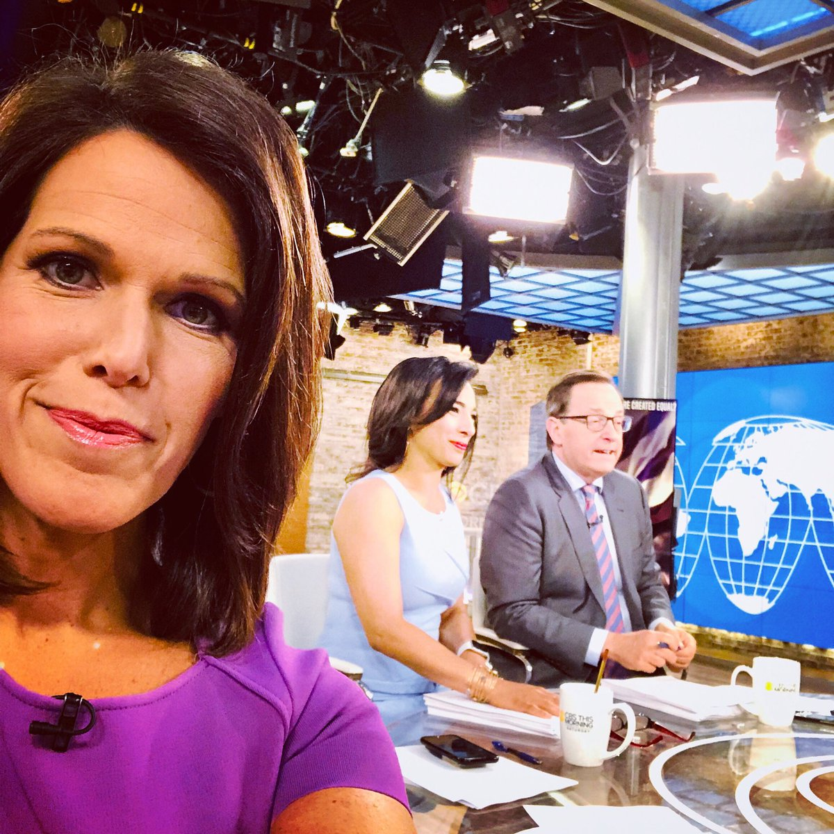 Minutes to go.. @CBSThisMorning Saturday coming at you w/ @AnthonyMasonCBS @CBSMMiller & me!  Politics to some New Orleans' cooking and so much more!!!!