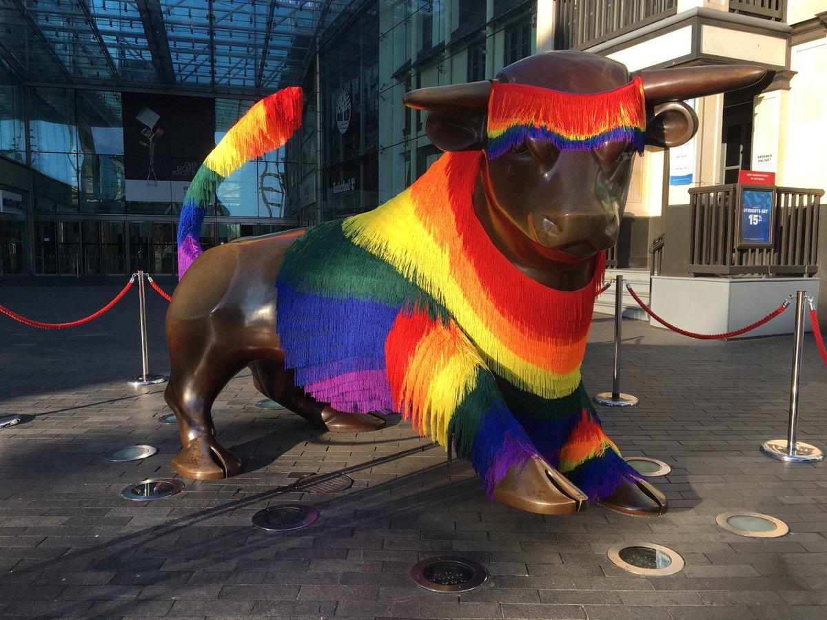 Aww Bully you look so pwetty #BirminghamPride<br>http://pic.twitter.com/klLvVqacwm