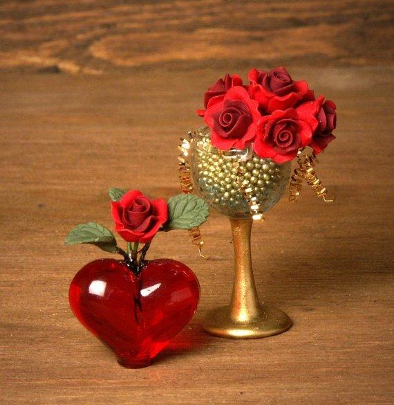 Red Miniature Heart Vase for your Dollhouse -  http:// etsy.me/2n9tm0C  &nbsp;    valentinesday <br>http://pic.twitter.com/V1jIYtXBCX